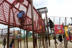 遊具も芝生もある、京都市の梅小路公園で遊ぼう!
