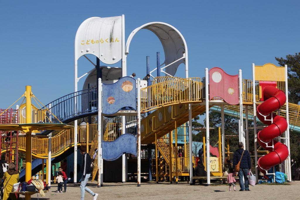 北摂の公園おでかけ。豊中市「服部緑地」の、遊具の改修工事がもうすぐ終了?!