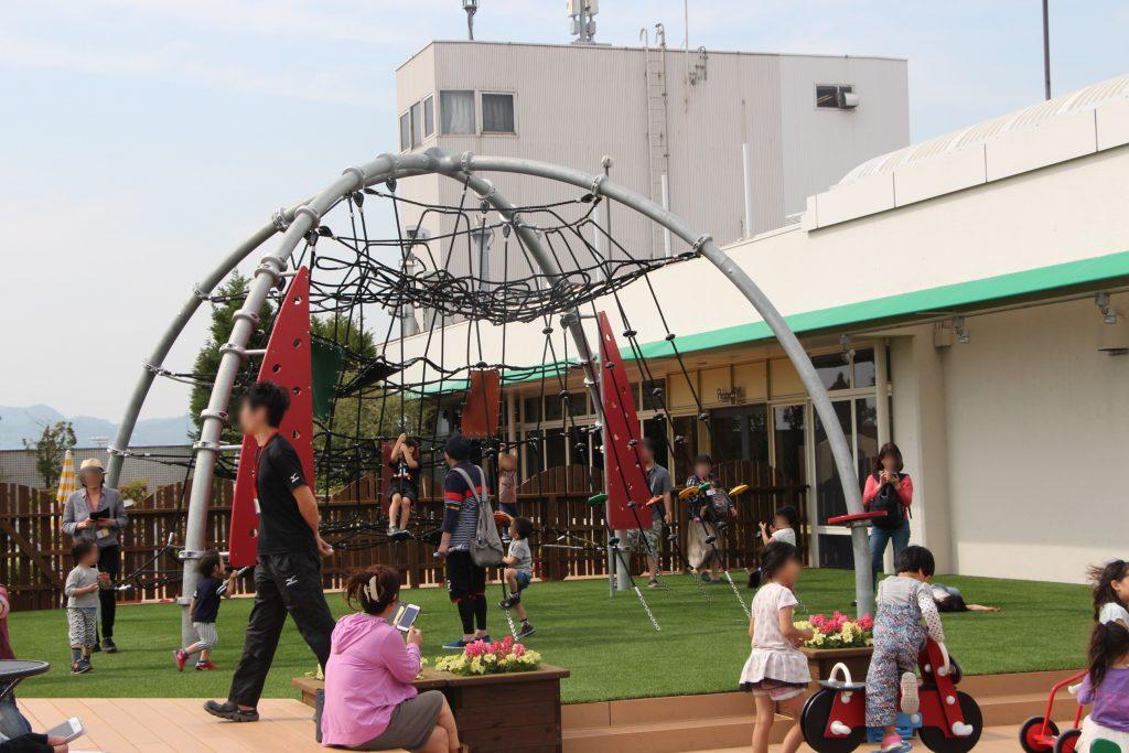 赤ちゃんから小学生まで遊べる、空港初「ボーネルンドあそびのせかい 大阪国際空港(伊丹空港)店」。
