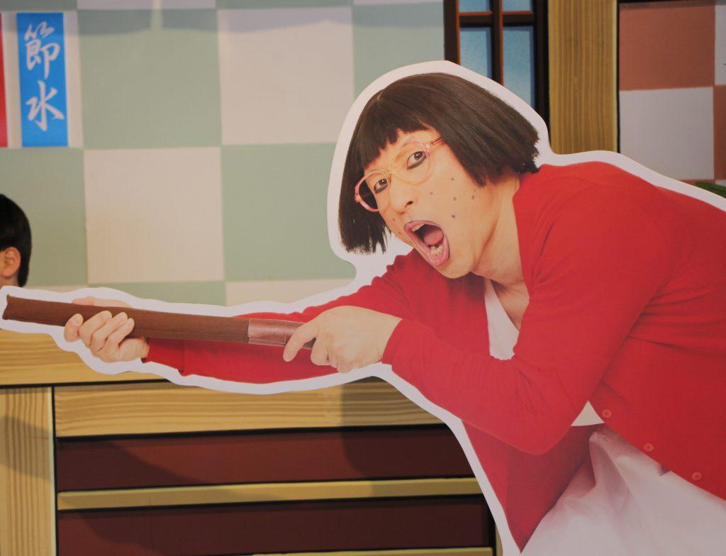 新喜劇の舞台に立てる。大阪国際(伊丹)空港にオープンした「よしもとエンタメショップ 」