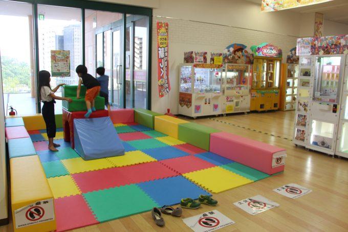 子連れで茨木市ガーデンモール彩都にある、西松屋、アルプラザのキッズスペースへ行って来ました。