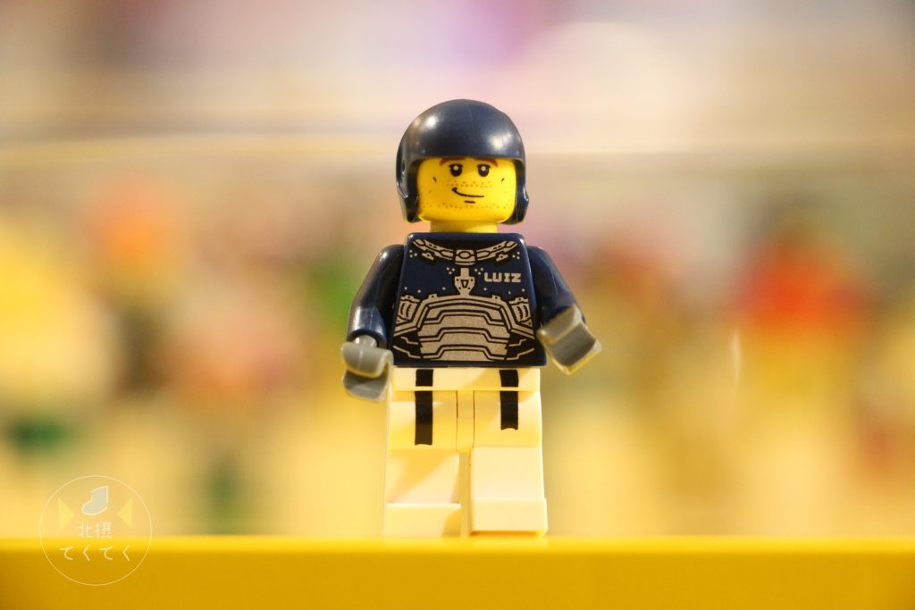 子供と「レゴ(R)ストア ららぽーとエキスポシティ店」でオリジナルフィギュアを作りに行って来ました。
