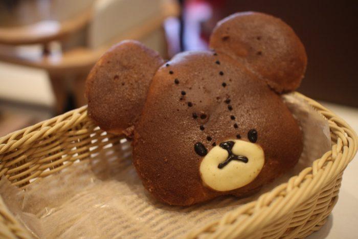 """""""くまのがっこう""""コラボのパンがエキスポシティ、「ベーカリーカフェ キャラブレッド」に新登場!"""