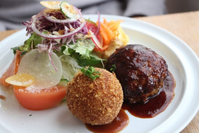 選べるランチで、ゆったりお昼ごはんを。「merci kitchen(メルシーキッチン)」箕面市