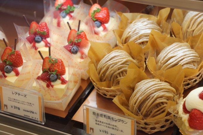 吹田市江坂にあるケーキ屋さん、「パティスリー・シロ・デラブル」へ行って来ました。